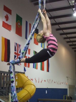 may-10-zay-on-silks