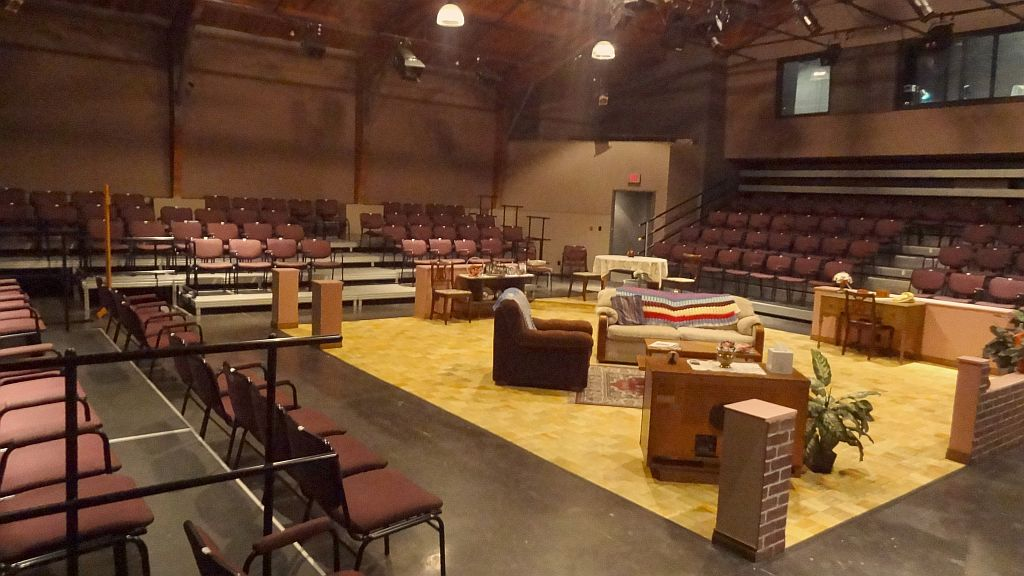 Theatre in the Round - Staging